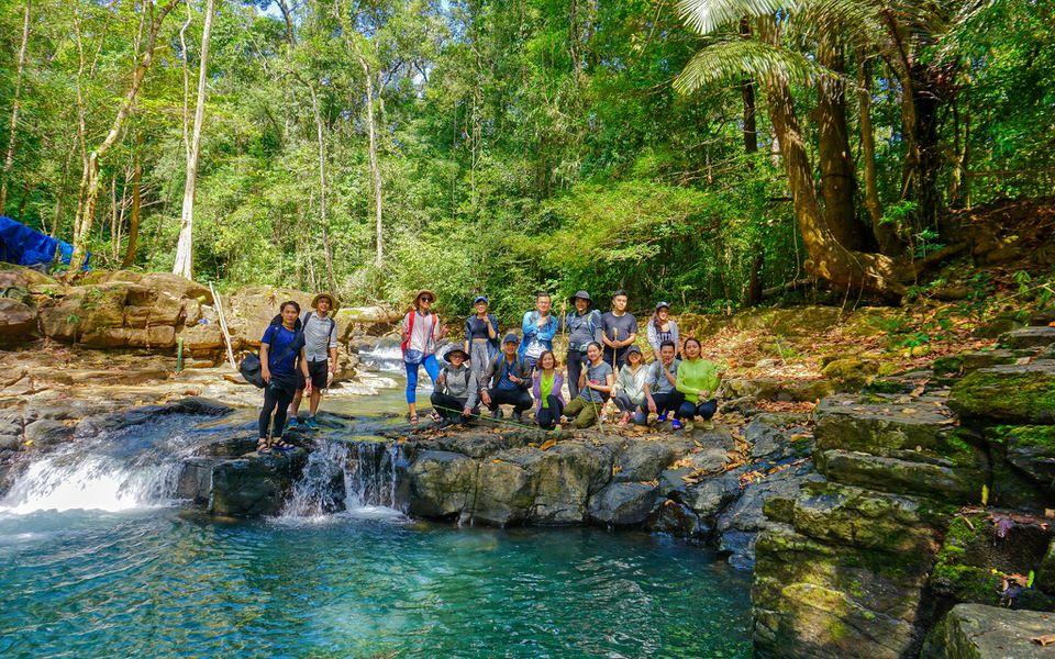 Các nhóm đông thành viên thường lựa chọn đi trekking ở Bù Gia Mập