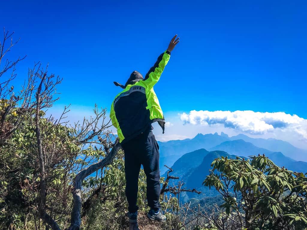 View nhìn từ đỉnh núi Putaleng