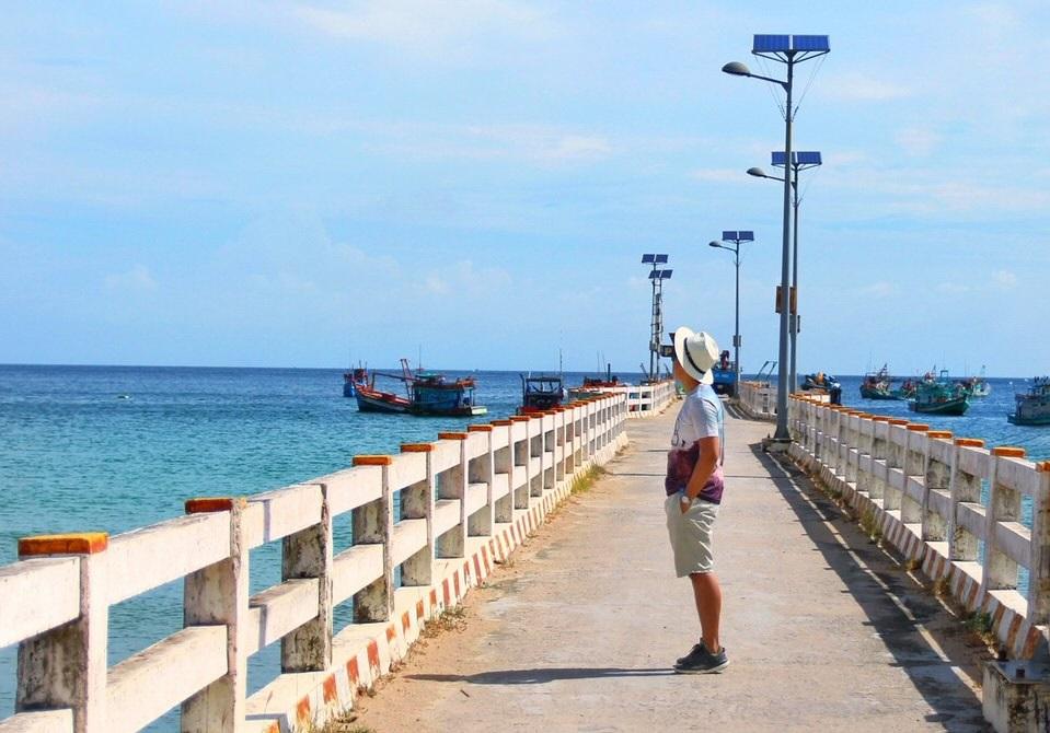 Bến cảng Bãi Nhà để ra Hòn Sơn