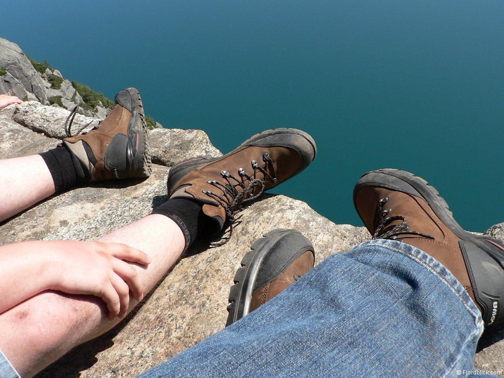 Giày leo núi giúp bạn di chuyển dễ dàng hơn