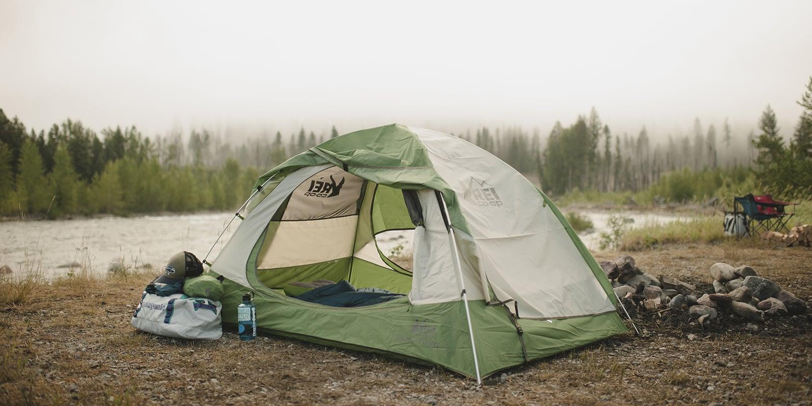 Lều cắm trại mang đến không gian ngủ thoải mái