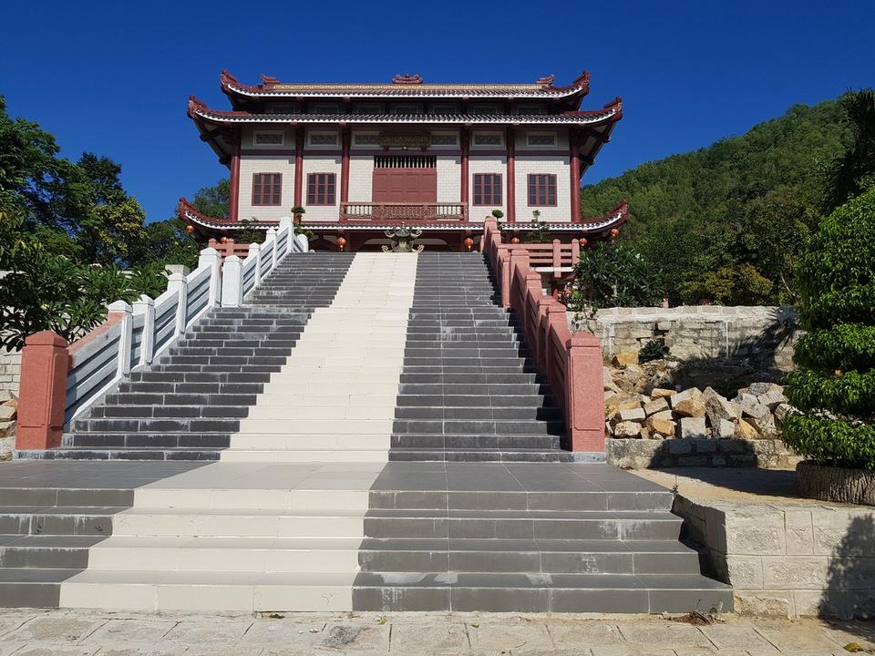 Ngôi chùa Linh Sơn Bửu Thiền mang lối kiến trúc đậm chất Nhật Bản