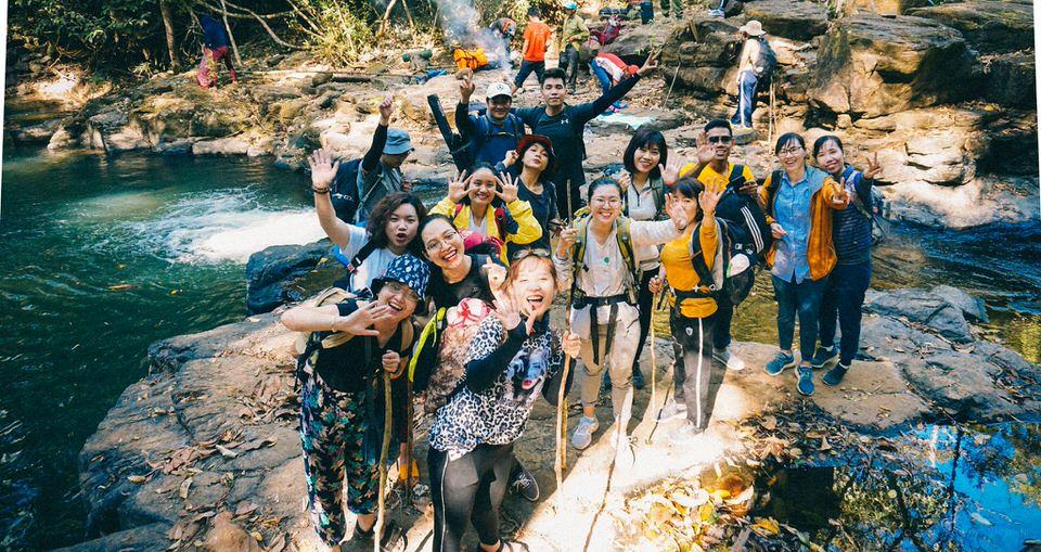 Đi trekking Bù Gia Mập nên đi theo đoàn đông người