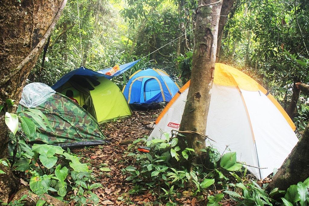 Cắm trại ở đỉnh thác K50