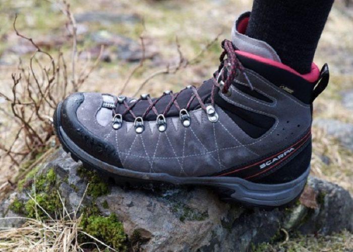 Top 10 giày leo núi, trekking, phượt tốt và bền nhất [Review]